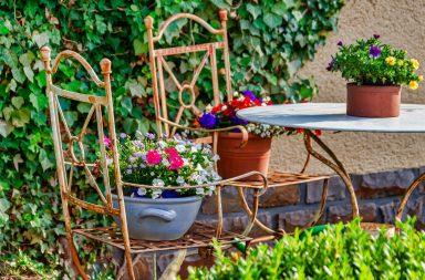 deco jardin table chaises