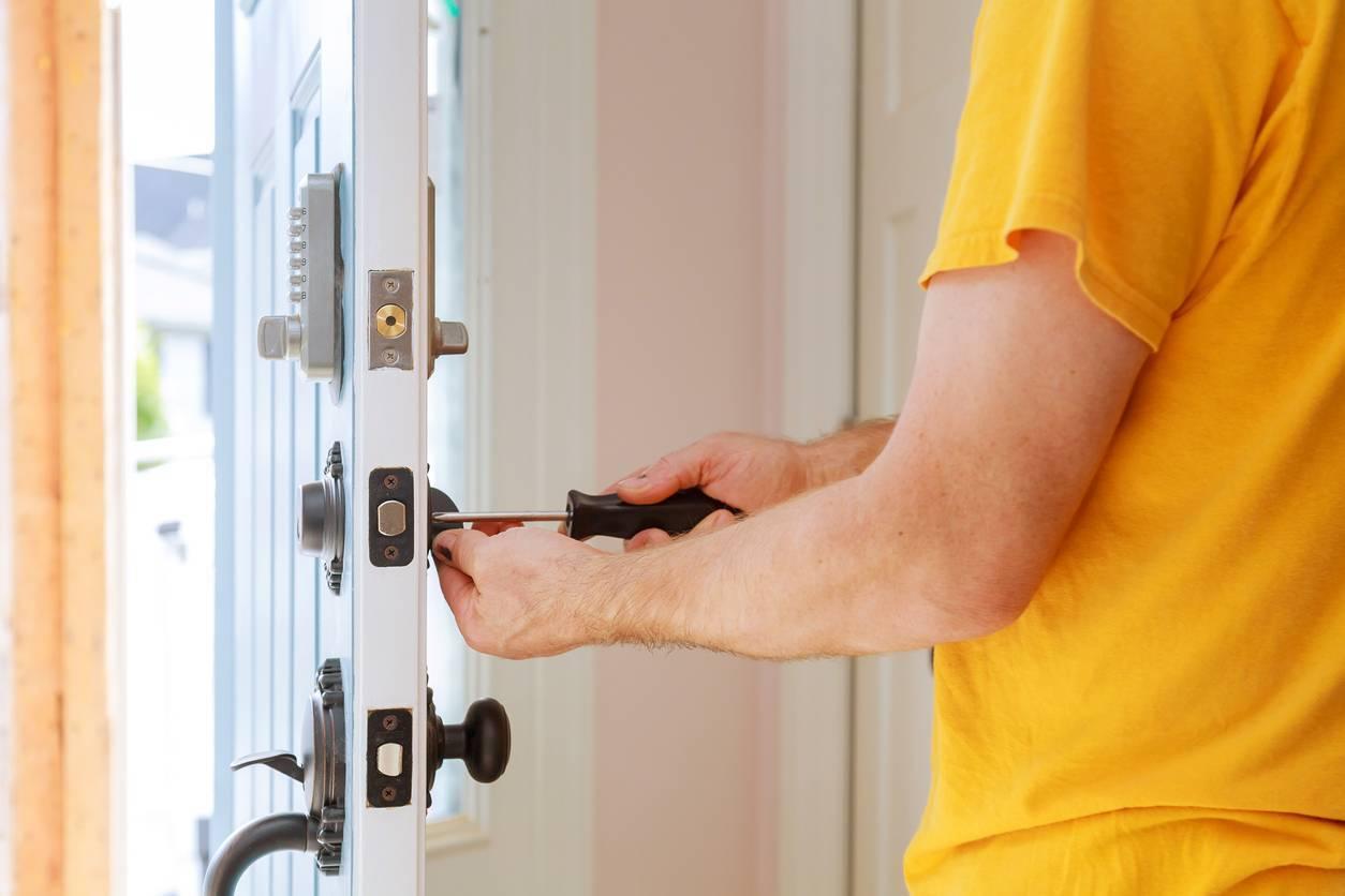 Faire intervenir un professionnel pour sa porte bloquée